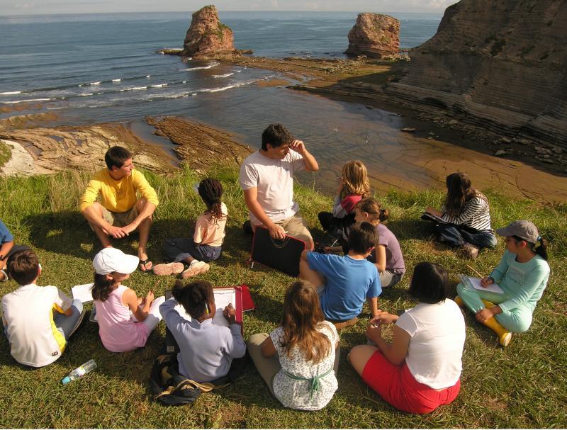 monter-un-projet-pedagogique-avec-le-cpie-littoral-basque-et-la-residence-dartistes-nekatoenea