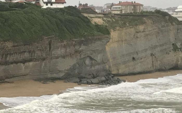 visite-commentee-exposition-cote-basque-un-littoral-en-mouvement-a-biarritz