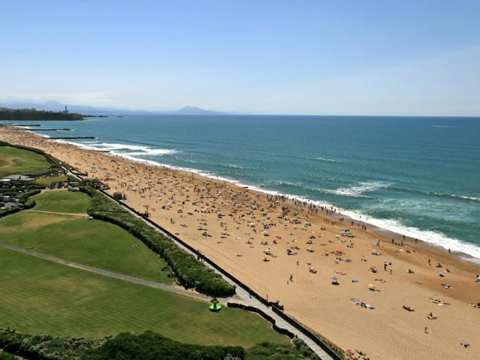 des_plages_pour_bronzer_des_plages_pour_surfer_mais_d_o_vient_ce_sable_pourquoi_les_plages_s_rodent_